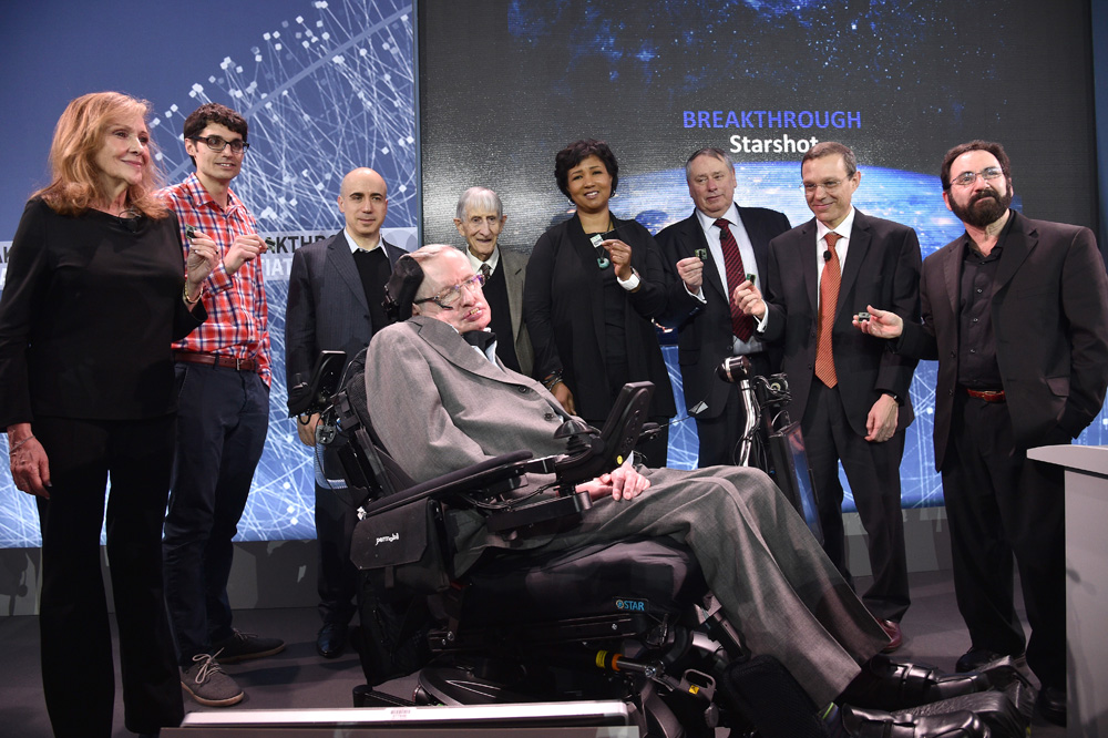 ‎Stephen Hawking and Freeman Dyson